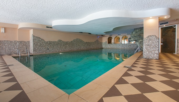hotel in val di sole con piscina